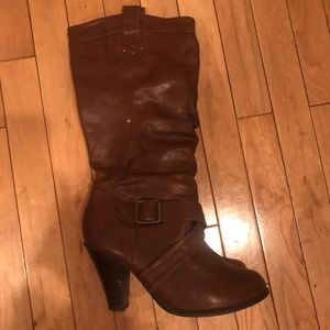 Shoes - Hardly worn size 9.5 brown boots